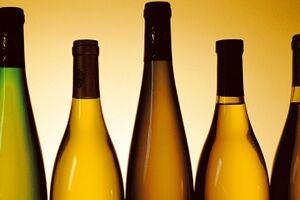 5 Flaschen halb im Bild