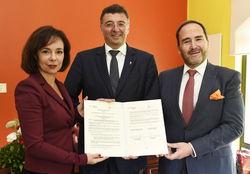 Am Bild Infrastrukturminister Jörg Leichtfried und Patentamtspräsidentin Mariana Karepova mit Miguel Angel Margain vom mexikanischen Patentamt