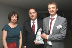 Am Bild die Präsidentin des Österreichischen Patentamtes mit den Gewinnern des Europäischen Erfinderpreises 2016 in der Kategorie Industrie