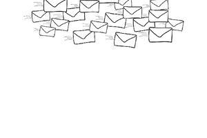 Viele gezeichnete Briefumschläge fliegen nach rechts im Bild.